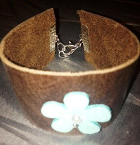 leather bracelet with flower