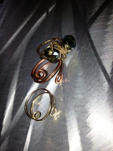 gold and copper wire rings